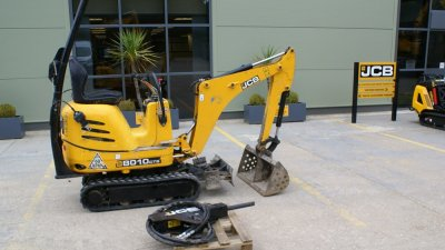 JCB Mini / Midi Excavators JCB 8010 CTS + unused HM80 hammer-thumb