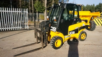 JCB Telescopic Lift Trucks TLT35D 4X4 Full Cabin-thumb